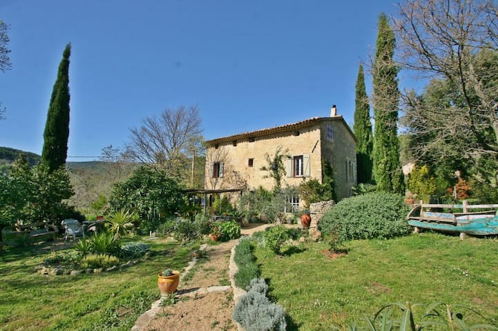 Romantic Bastide in the heart of Green Provence