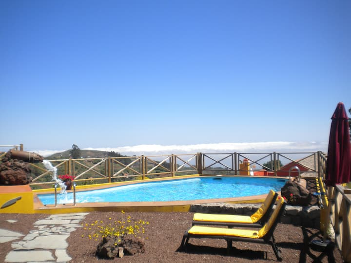 Natura- Azuaje with pool and optional jacuzzi