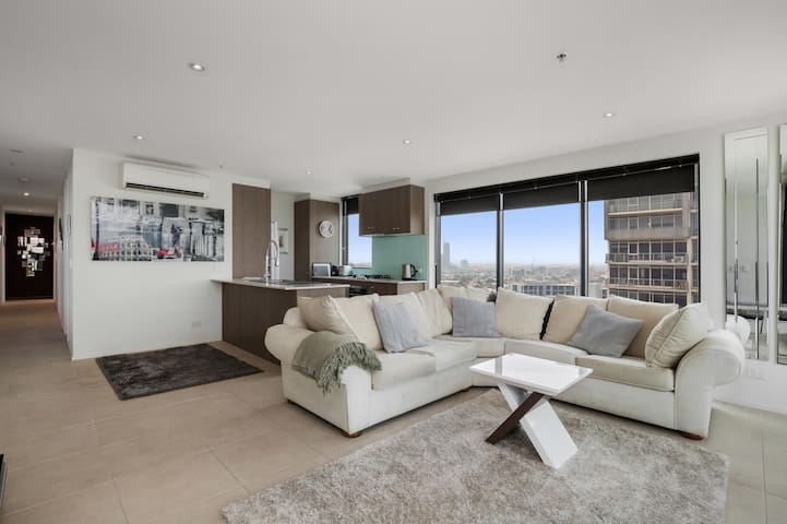 Luxurious Living with Unbeatable Views
