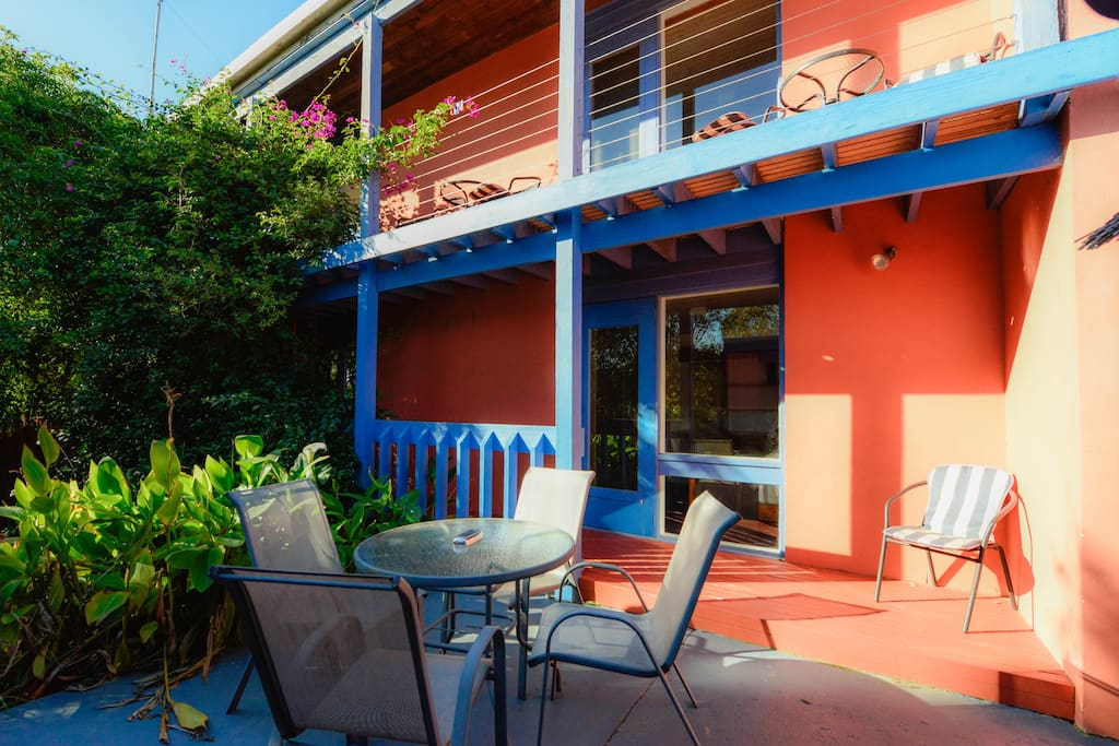 Private courtyard. Barbeque facilities in courtyard & on Ocean front deck.