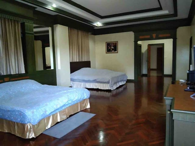 1st Main Bedroom. You can sleep up to 4 people