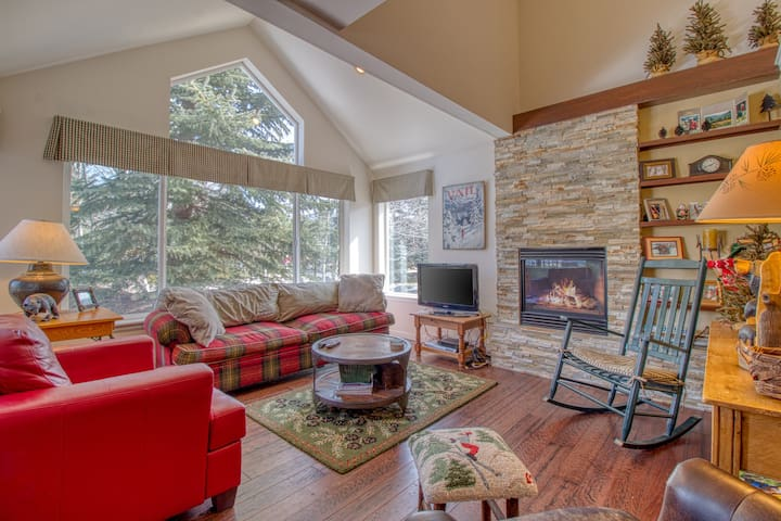 Roomy, family-friendly home w/ access to year-round outdoor activities