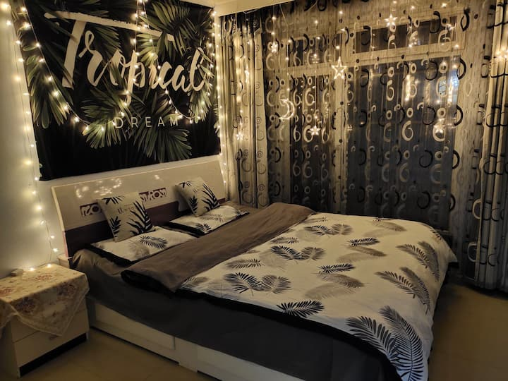 阳光亿城,小夜灯主题大床房