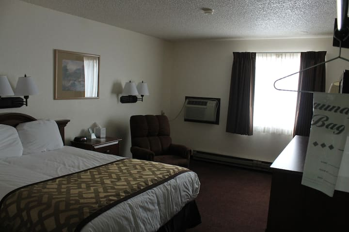 Comfortable Hotel Living Lone Tree Inn