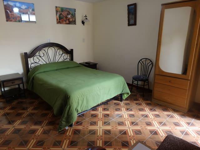 Desayuno, wifi, habitacion privada, Centro de Puno