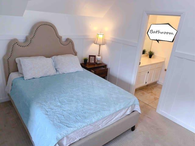 Private Bath Queen Bed Near Airport 近10个门奥来大床独立卫生间