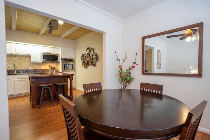 Hot Gem! Minutes from Galleria/River Oaks District