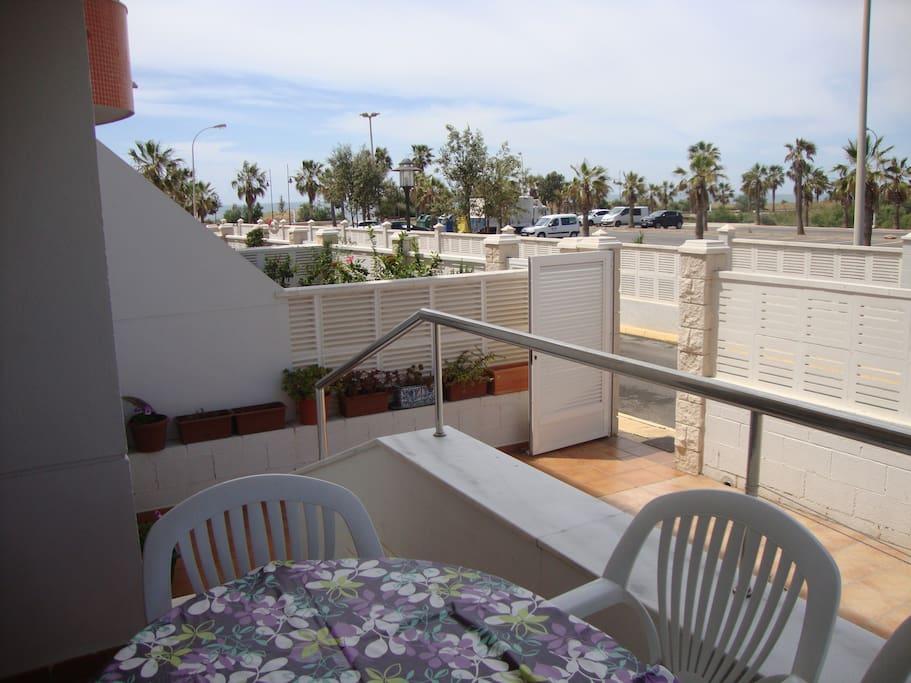terraza y salida directa