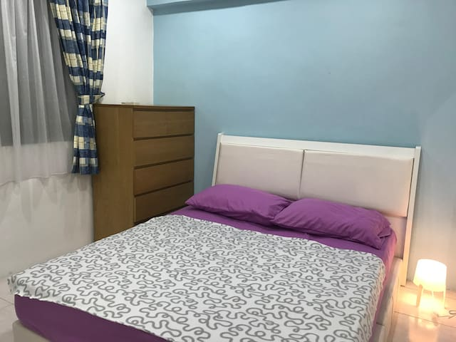 *Promo* Homey and Cosy Queen Bedroom in Bangsar