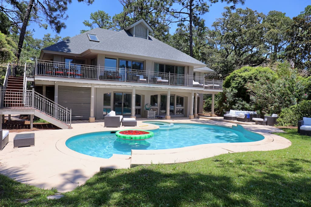 9 Bedroom 7 5 Bath Oceanfront Sea Pines Sleeps 20