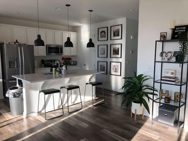 New home • Modern interior • East Colorado Springs