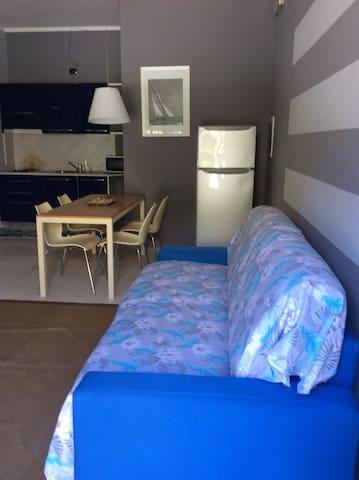 Appartamento con ingresso privato e posto auto 🚗