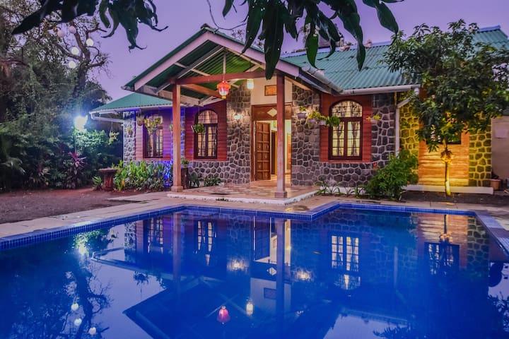 EKO STAY | Luxurious 5BHK Pool Villa- Green Villa