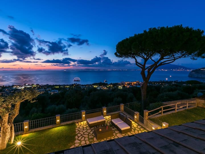 Villa Gaia Amazing Sea View & Pool!