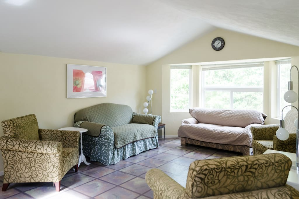 Great space for everyone to enjoy long conversations about the days adventures, makes for a good meeting space and room to dance...   This space will also be rearranged for the rollout twin bed and a queen classic two zone select comfort/sleep number type bed.