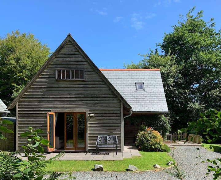 Cosy oak-framed North Cornish Lodge in Davidstow