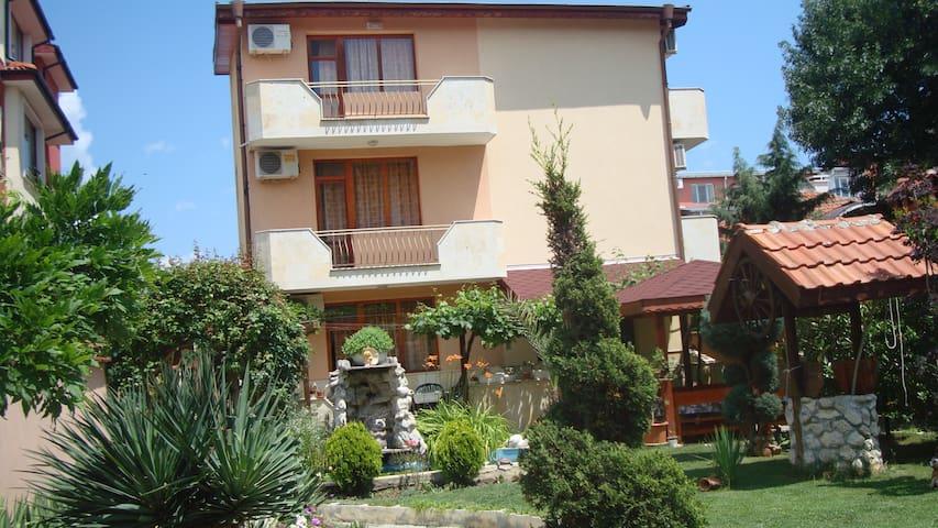 "Guest-house""Alberto""-Ravda - Ravda - Hospedaria"