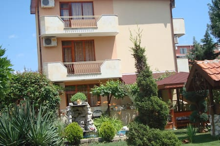 "Guest-house""Alberto""-Ravda - Ravda - Pension"
