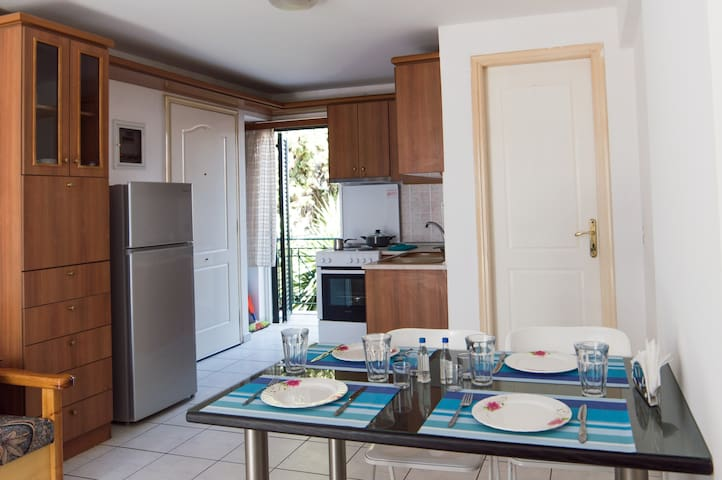 Wonderful flat at the heart of Aegina town