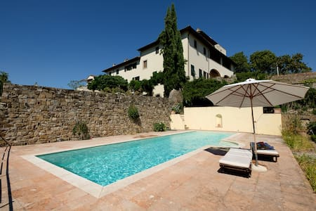 Villa Due Strade with POOL - Florenz - Villa