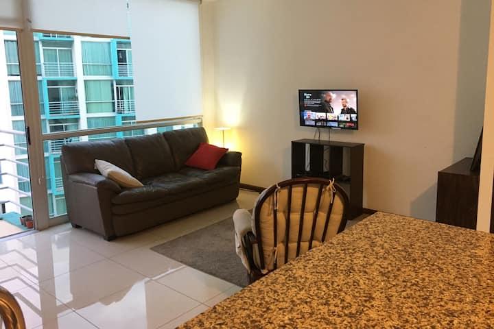Modern, cozy & convenient place in San Jose