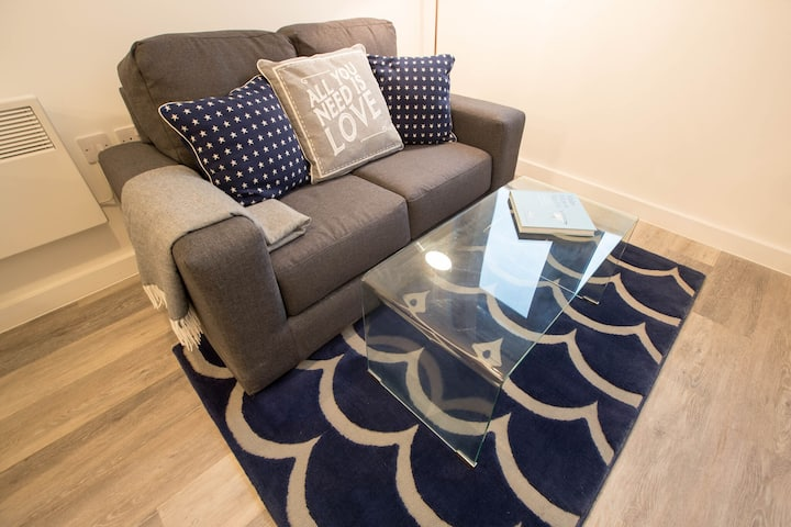 Charming Apartment in Liverpool near Liverpool Central