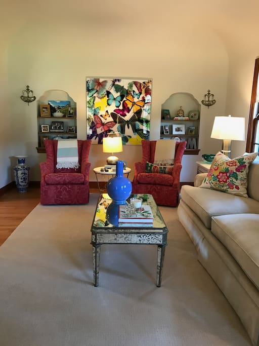 """Large main living area is warm and inviting. Great place to gather for watching your favorite sports or movies on the 50"""" TV."""