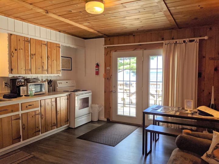 POV Resort Cabins - Fox's Hole - Unit 11
