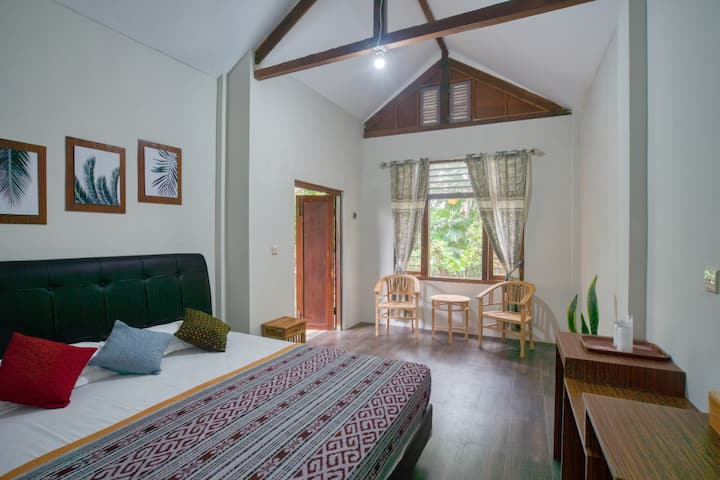 Bata Merah Homestay Banyuwangi | Matoa-A-Room