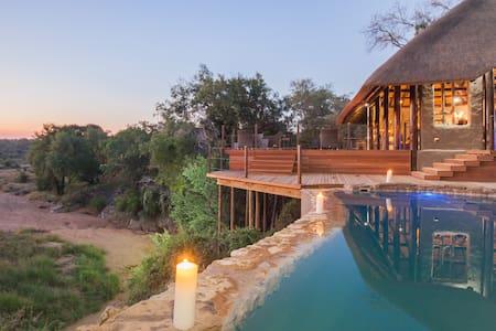 Garonga Safari Camp Luxury Tent