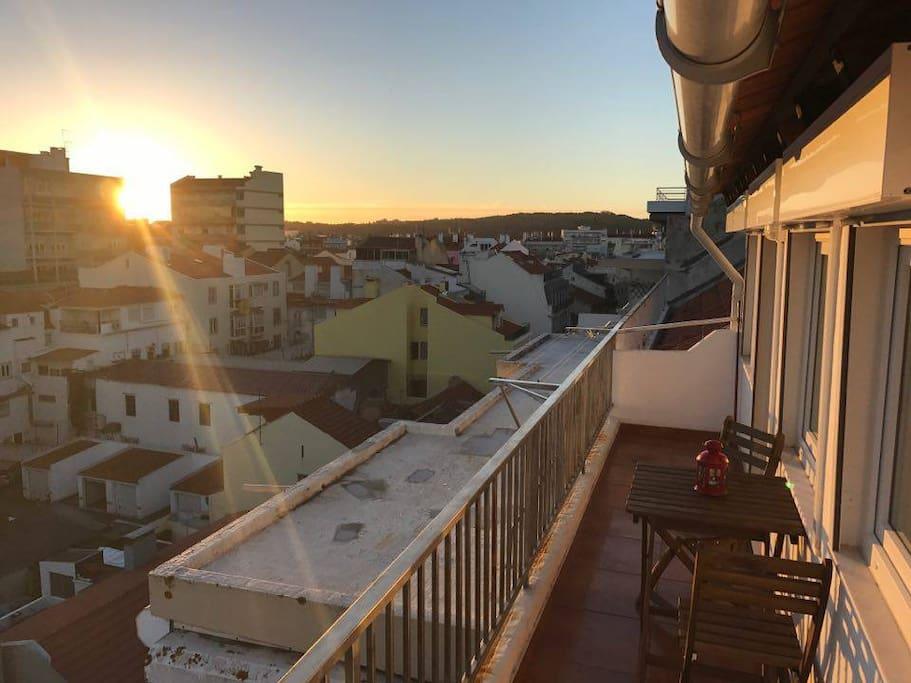 balcony (right side)
