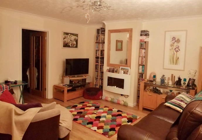 Cornish village home,  central & 10 mins from A30