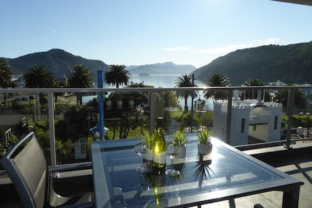 Luxury Waterfront Quay Apartment N0. 6