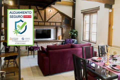 Apartamento de lujo junto a la Plaza Mayor, ascensor, parking, A/A, Wifi...