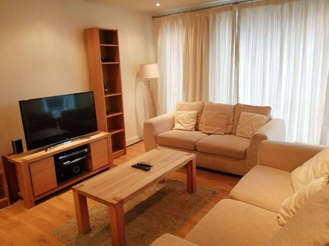 Amazing & Central 2-Bed Apartment -IFSC/ Docks