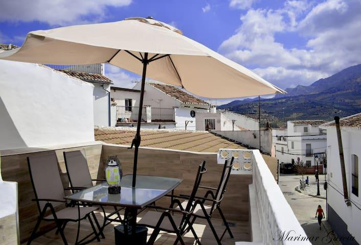 Casa totalmente equipada y reformada en El Burgo.