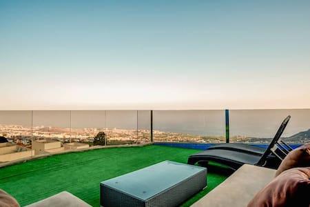 Light & Spacious Penthouse *Terrace *Amazing Views