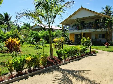 Villa de 4 habitaciones en Foulpointe Madagascar, con magnificas vistas al mar, jardín cerrado y WiFi - a 200 m de la playa
