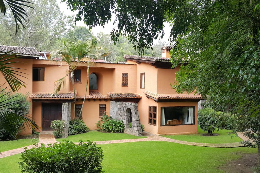 valle de bravo senior singles Residential for sale, single family home , valle de bravo, valle de bravo, estado de mexico 51200, mexico with 9 bedrooms and 9 full baths.