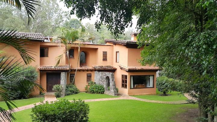Valle de Bravo,bonita casa rodeada de naturaleza