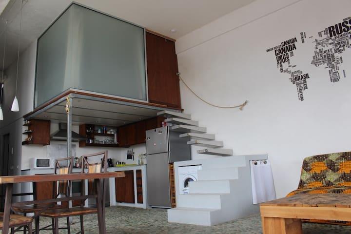 Appartement T2, type loft, vue mer
