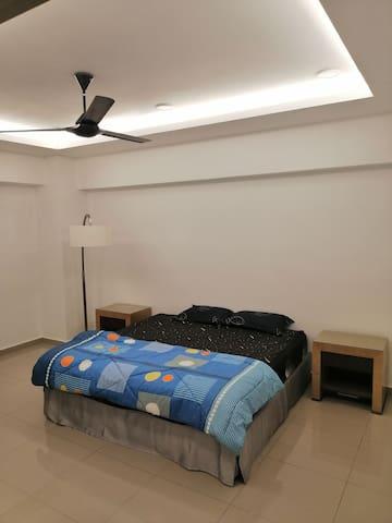 ROOM 1- Super King bed