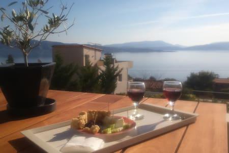 Sea-view family villa near Athens - Nea Peramos - 独立屋
