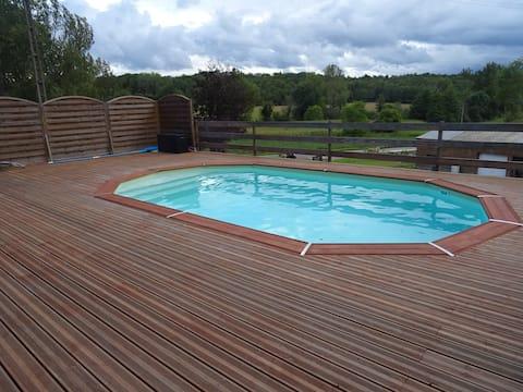 Logement avec Piscine pour 4 personnes en Dordogne
