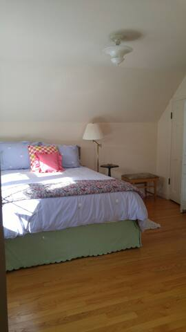 Wonderful & Sweet Vtg hm, 2 bdrm, sleeps 4 comfee, - Rockton - Casa
