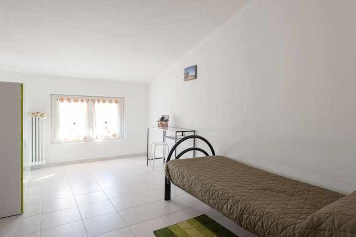 Green Single Room, with common bathrooms - compiano (pr) - Pousada