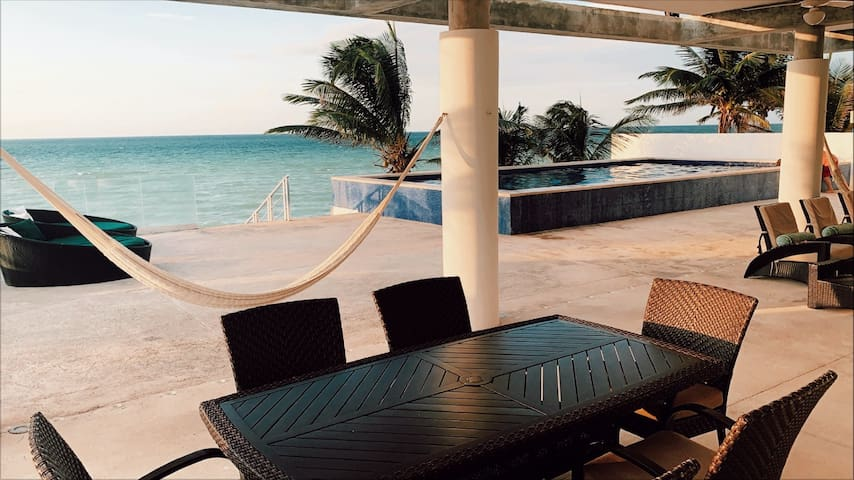 Chalet con Terraza frente al mar Chicxulub Yucatán