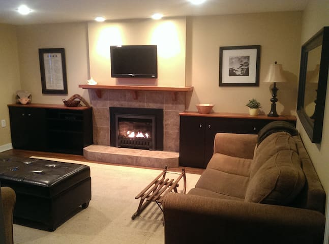 2 Bedroom Suite - Fully Furnished - Squamish - House