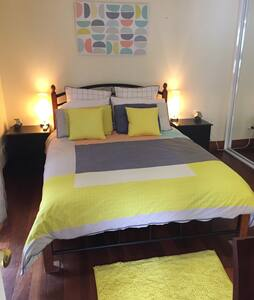 Beautiful self contained studio - Fremantle - House