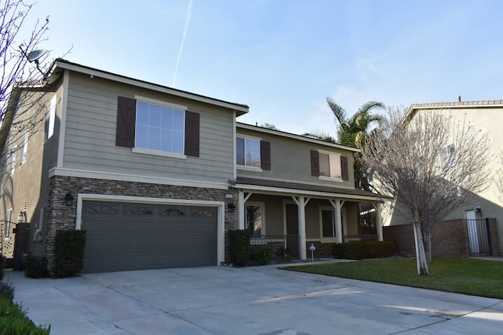 Luxury house in the heart of Inland Empire